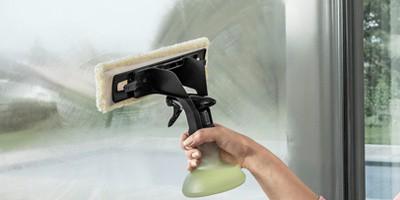 Kärcher Fenstersauger Reinigungsvorgang